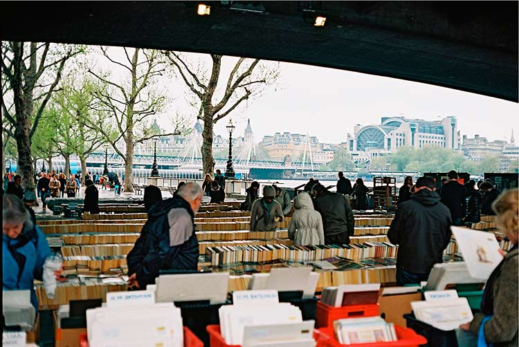 Riverside-Walk-Market